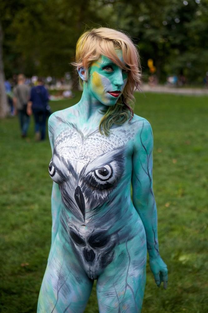 Nude Models (In Body Paint) Swarm Times Square: Gothamist ...