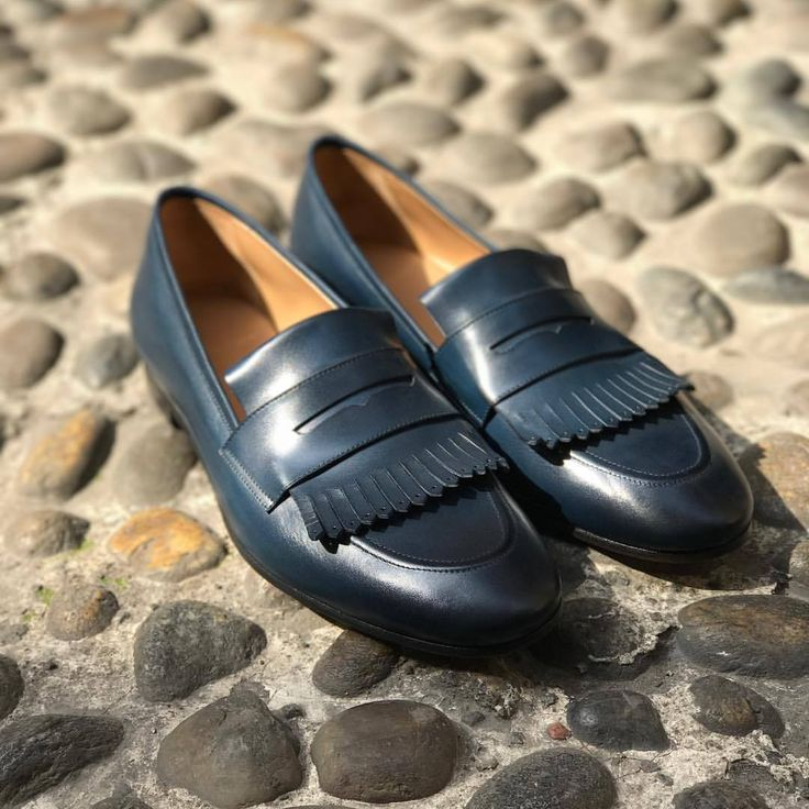 SUPERGLAMOUROUS   Iconic Monday.   Cesar Nappa Navy Loafers...