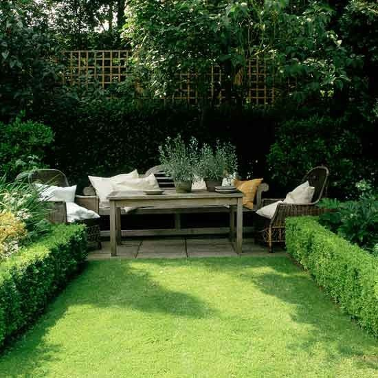 Use hedges to create definition | Small gardens | PHOTO GALLERY | Homes & Gardens | housetohome.co.uk