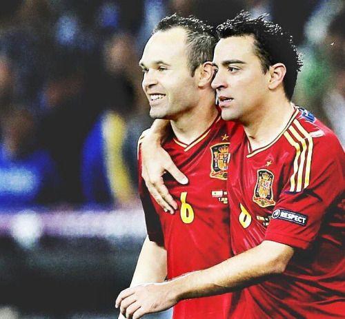 Andrés Iniesta y Xavi Hernandez son los jugadores españoles con...