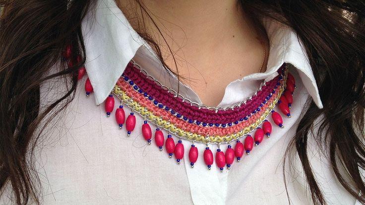 Вязаное ожерелье с цепочкой