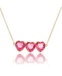 colar triplo de coracao dourado com zirconias safira rosa