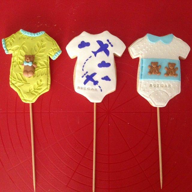 #instacookie #cookiestagram #cookies #kurabiye #newborn #baby #bebek #uçak #planes #sugarart #edibleart #bears #ayıcık #zıbın #yeşil #mavi #beyaz #lacivert #skyblue #sky #teddybear #şekerhamuru #rüzgar  #cookiedesign #custommadecookie #custommade