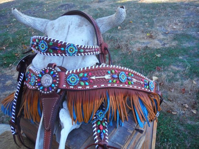 Western Dove Arrow and Fringe Tack Set; This is amazing!