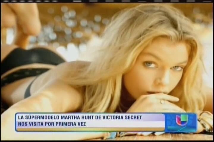 La Supermodelo De VIctoria's Secret Martha Hunt En 'Despierta América' #Video