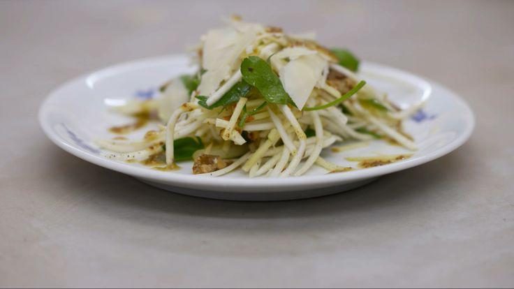 Salade van knolselder met Parmezaanse kaas