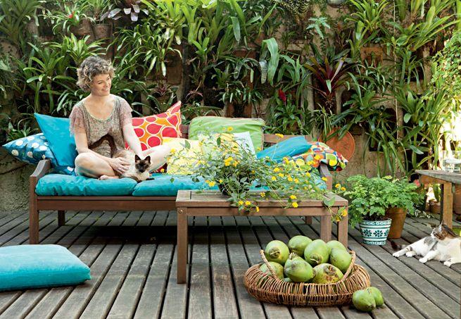 gustavo horta jardim : gustavo horta jardim:Há quem planeje, durante anos, viver numa casa com jardim e crianças