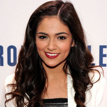 Bethany Mota wiki, affair, married, Lesbian with age, height, video blogger, Youtube,
