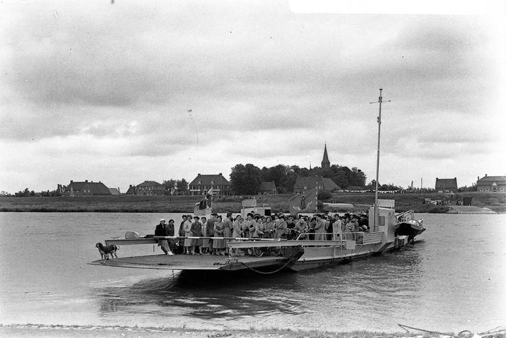 Maas en Waalse Processie naar Katwijk aan de Maas