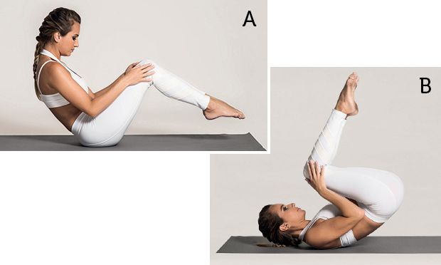 abdômen - Sentada com a coluna arredondada, pés fora do chão e mãos nos joelhos.   B. Role o corpo para trás até encostar os ombros no solo e volte concentrando a força no abdômen, mantendo a coluna em formato de C e sem apoiar os pés no chão.   Faça 10 repetições.
