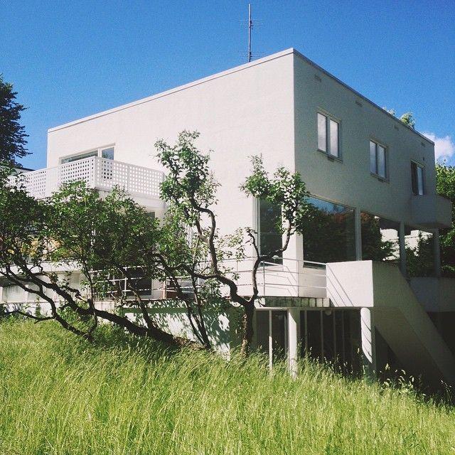 Villa Benjamin, Oslo, 1935. Architect: Arne Korsmo
