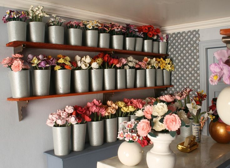 Florist shop interiors jenny 39 s flower shop interior for Flower shop design layouts