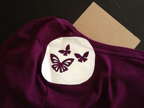Papier Congélateur bricolage marqué au poncif T-Shirt + Papillon modèle imprimable |