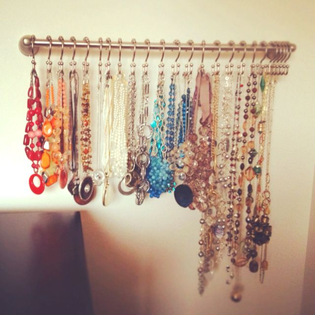 Necklace organization using a towel bar and shower hooks! No more cluttered Jewlry box and tangle bling.