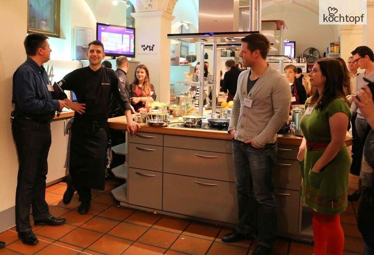 Vorletzte Woche war ich in München. Microsoft hat zum Thanksgiving Dinner mit Martin Baudrexel und dem Surface 2 in Ziemanns Kochschule geladen.Nach Halloween kommt jetzt also auch Thanksgiving nach Europa. Warum auch nicht? Feiern und gutes Essen geht...