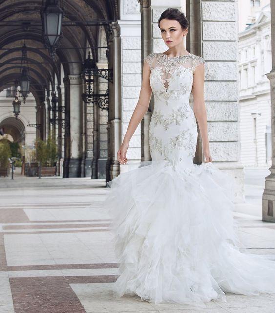 Popular Luxury China Wedding Dresses Mermaid Cap Sleeve Glitter Rhinestone African Women Bridal Gowns Tulle Abito da
