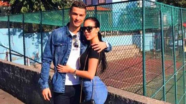 A 787 000 Gift From Ronaldo To The Future Wife Cristiano Ronaldo Style Cristiano Ronaldo Ronaldo
