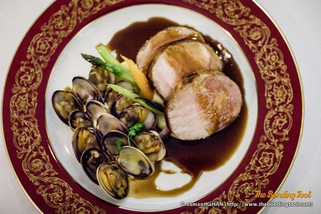 Carne de porco do Montado com amêijoas. Roasted black pork with clams. 燒黑豬配蜆. MOP 495.00