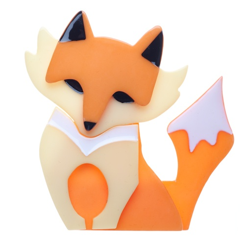 Fleur the Foxy Flame brooch. She looks so much like my cat Saffron. <3