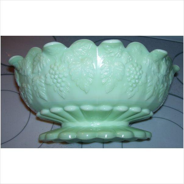 Vintage Antique Jadite Mint Green Footed Salad Fruit Bowl Grape Pattern1949 1984