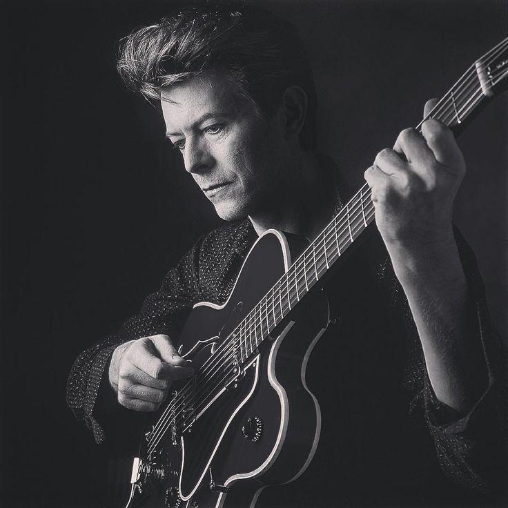David Bowie ~ Дэвид Боуи                                                                                                                                                                                 More