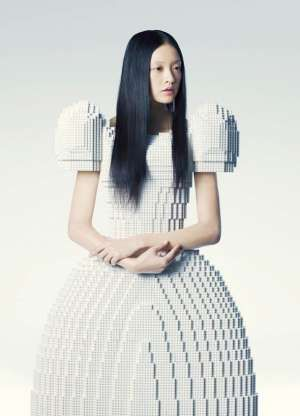 LEGO Wedding Dress by Rie Hosokai - The LEGO dress was designed by Japanese artist Rie Hosokai - inspired by her prior work - a similarly-shaped wedding dress made from balloons (Daisy Balloon is balloon artist Rie Hosokai and art director/graphic designer Takashi Kawada). It was created for the Piece of Peace LEGO Exhibition in Tokyo, Japan (2012) - http://www.pofp.jp: