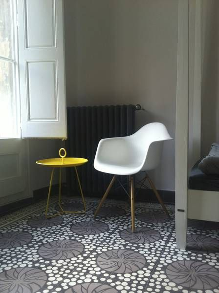VIA: VIA Fliesen und Möbelklassiker