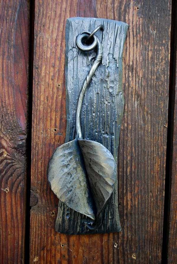 kreative Türklopfer schmiedeeisen baumblatt holztür