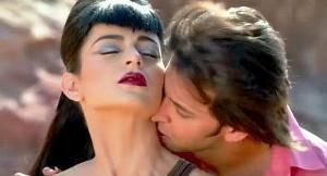 """With the release of the second song 'Dil tu hi bata'from the much anticipated superhero flick of the year """"Krrish 3"""", it has created much curiosity among the movie lovers as Hritik Roshan is seen romancing Kangana Ranaut in the song this time instead of Priyanka Chopra."""