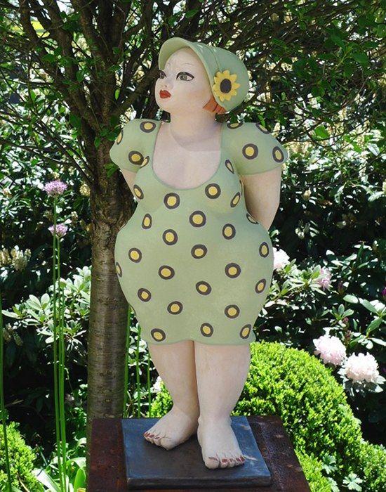 Keramikfigur Molly mit Sonnenblume