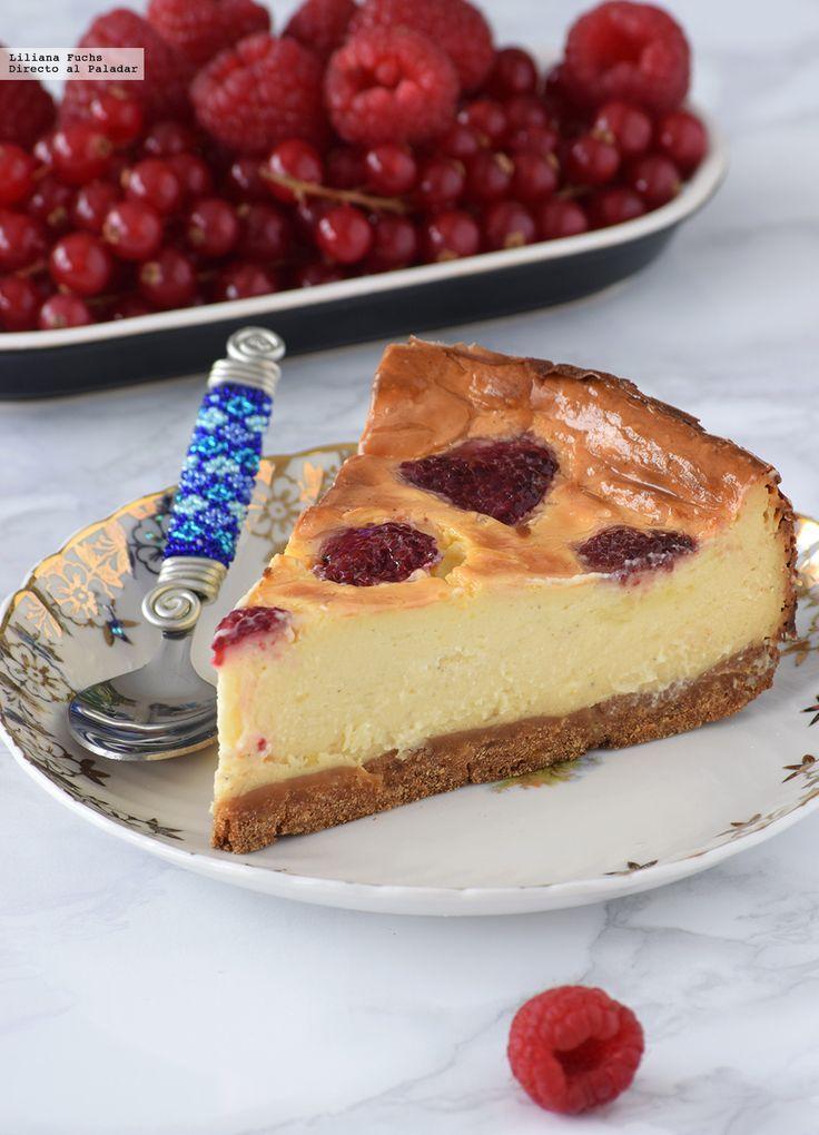 Te explicamos paso a paso, de manera sencilla, la elaboración del postre tarta de queso y frambuesas al estilo alemán. Ingredientes, tiempo de elaboración