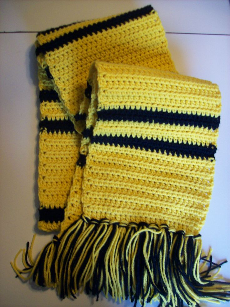 Hufflepuff Scarf Knitting Pattern : 17 Best images about Wish List on Pinterest Love knot ...