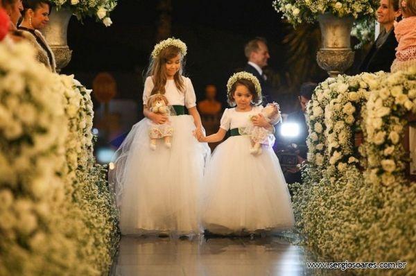 Duett Festas - Administradora de eventos - Galeria de Fotos - SeuEvento.Net - Casamento Aline e Fábio - Bonecas para Daminhas