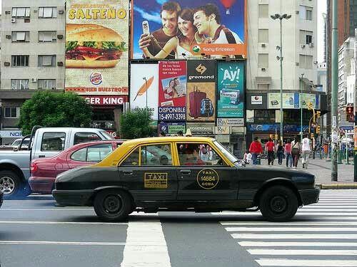 Retro . Peugeot 504 . Ciudad Autonoma de Buenos Aires