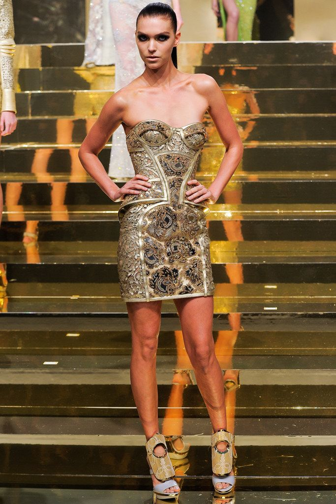 best sunglasses for womens running Atelier Versace Spring 2012 Couture Collection Photos   Vogue