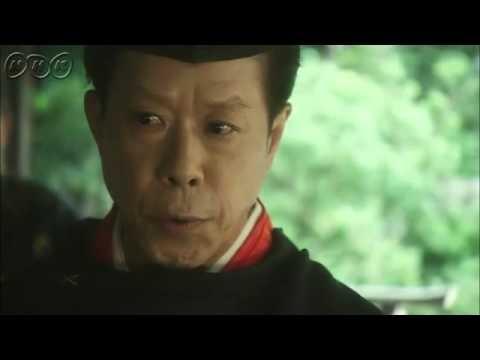 平清盛ダイジェスト 第32回「百日の太政大臣」 今から900年前、貴族政治が行き詰まり、混迷を極めた平安末期、武士として初めて日本の覇者へと登りつめた男、平清盛の物語。    第32回「百日の太政大臣」  仁安元年、清盛(松山ケンイチ)は武士として初めて大納言にのぼった。前代未聞の出世に、貴族たちは反発するが、摂政・基実(忠通の子:上杉蝉之介)をうしろだてとした清盛の勢いはとまらない。後白河(松田翔太)はそんな清盛の動きをけん制する。一方、伊豆の頼朝(岡田将生)は、豪族・伊東祐親(峰竜太)の娘、八重姫(福田沙紀)と恋仲になっていた。祐親は、大番役で京の清盛のもとに仕えており、その留守の間のことだった。そんな時、八重姫が頼朝の子を宿していることがわかる。頼朝は命にかえても八重姫とその子を守り抜くことを誓うが、それは更なる悲劇の始まりであった。京では清盛がさらに内大臣に就任、清盛はさらなる高みにのぼろうと、五節の会にて舞姫の舞を献上することを思いつく。そして五節の会の当日、貴族のいやがらせで返された舞姫の代わりに、清盛と後白河上皇の前に現れたのは、乙前(松田聖子)だった。