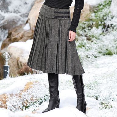 Love skirt and boots but not in wool. Must be mid calf length.