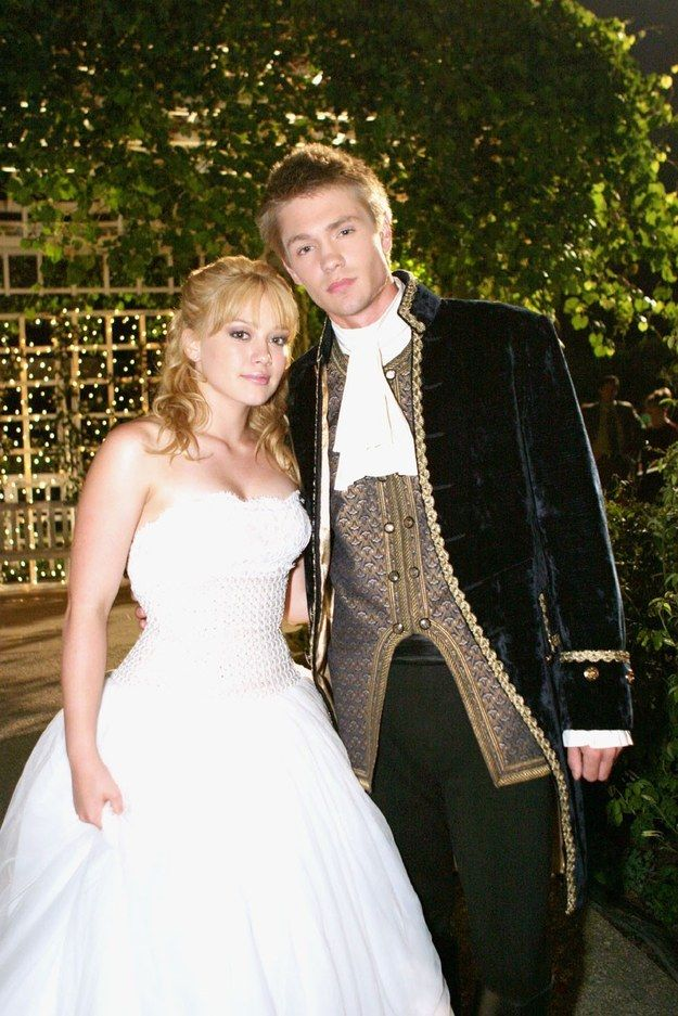 """This rare perfect moment of the king and queen. 