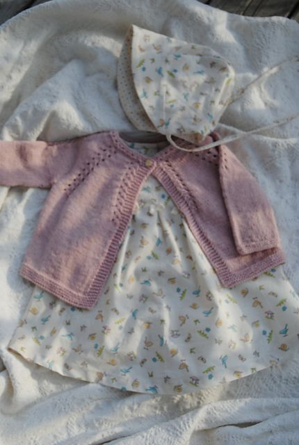 Ravelry: Project Gallery for 4 / Cardigan for baby pattern by Florence Merlin