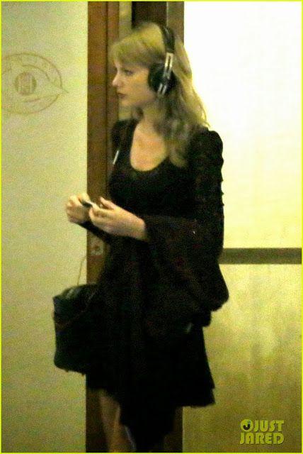 Celeb Diary: Taylor Swift & Alexander Skarsgard in Cape Town, Africa de Sud