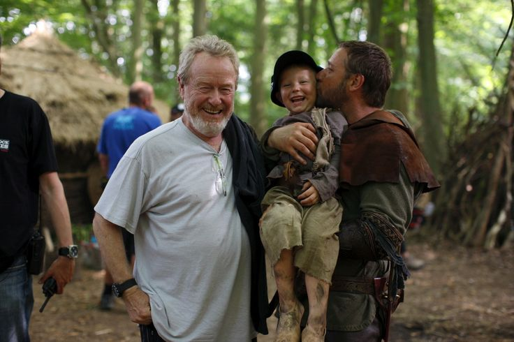 Ridley Scott & Russell Crowe on the set of Robin Hood (2010) #films #movies #10s