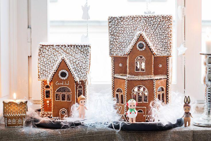 Finns det något som säger jul mer än ett egengjort pepparkakshus? Här hittar du recept på bra deg, steg för steg-bilder på hur du lyckas samt mallar till dessa två fantastiska hus. God jul!