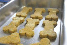 Passarotes: Receita: Biscoito de Cachorro