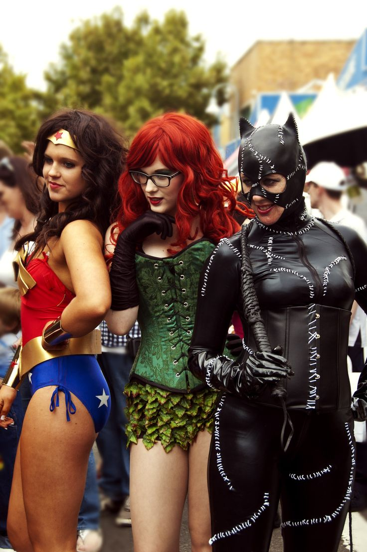 Wonder Woman, Poison Ivy and Catwoman