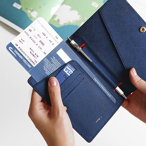 Hatch: Passport Case