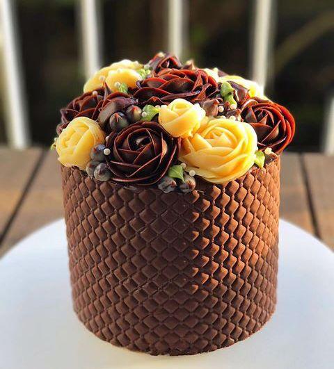 Bolo Bem Vestido (Well Dressed Cake)