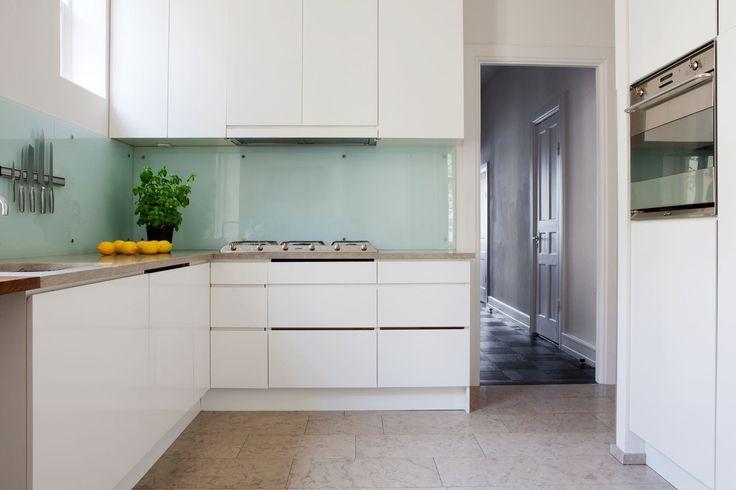 otra opcin de cocina en lugar de baldosa con vidrio en la pared al no tener juntas es mucho ms limpio adis al blancoespaa