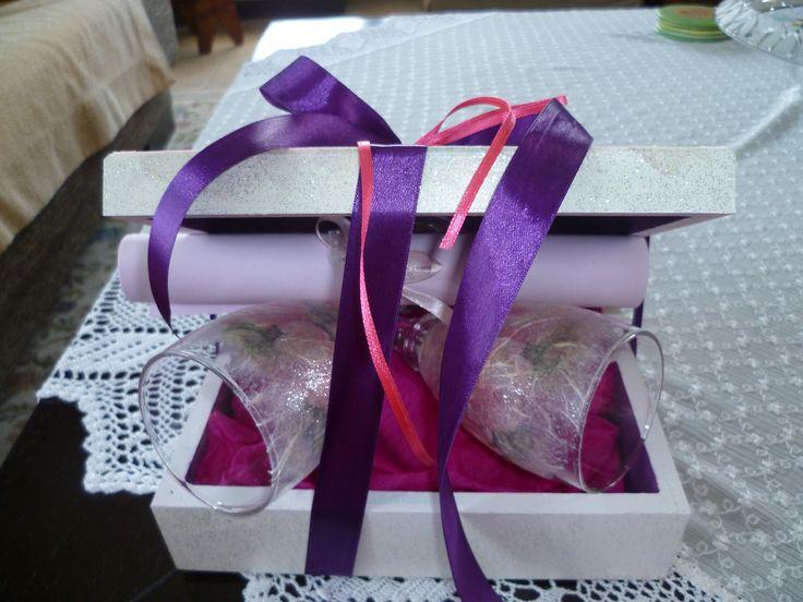 Έτοιμο το γαμήλιο κουτί με τα ποτήρια!!!