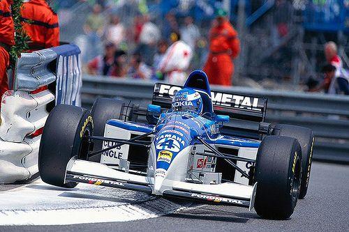 Mika Salo - Tyrrell 023 (Yamaha) - 1995