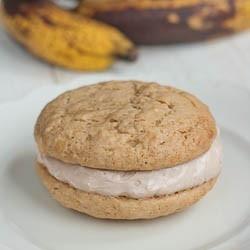 Banana Whoopie Pies | Recipes - Cakes, Brownies and Cupcakes | Pinter ...